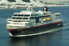 SOUVENIR FRIDGE MAGNET of CRUISE SHIP MIDNATSOL - HURTIGRUTEN