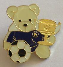 Teddy Bear K Soccer Trophy Football Pin Badge Rare Vintage Memorabilia (E3)