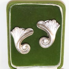 Retro Vintage Art Nouveau Inspired Silver Flower Clip on Earrings No Stone 8a2