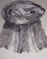 Heller Schal in Grau, Weiß, Beige,  *pflegeleicht* Crinkleoptik, angenehm weich!