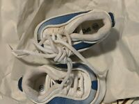 Shoes Infant Baby Sports World Size 0 Blue and white Leather Bottoms EUC