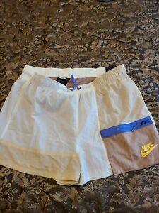 Nike Women's Sportswear Icon Clash Shorts Dessert Dust CJ2284-210 Size L