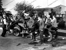 8x10 Print Laurel & Hardy with Finlayson Big Business 1929 #72