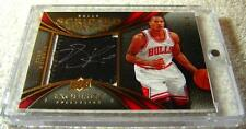 DERRICK ROSE 2008 EXQUISITE SCRIPTED SWATCH LOGO PATCH AUTO ROOKIE SERIAL #18/25