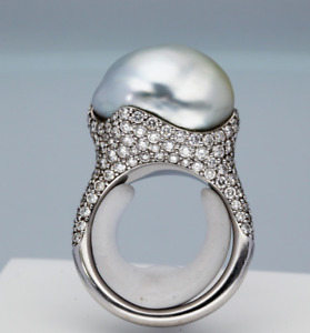 Amazing Fancy Shape Pearl With Micro Pave Set 2.88CT Cubic Zirconia Fine Ring