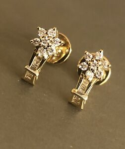 9ct Yellow Gold Diamond Earrings 0.40ct Daisy Cluster Flower Studs HM 375
