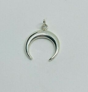 Gorgeous Sparkling Solid Crescent Pendant 925 solid silver 1.10grams #16031