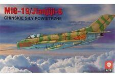 PLASTYK S023 1/72 MiG-19 / Jianjiji-6