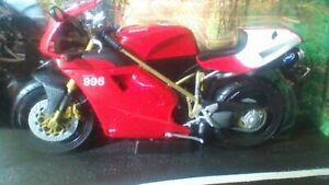 DUCATI 996SPS MOTOR CYCLE 1:10 SCALE HOT WHEELS COLLECTIBLES RARE MODEL