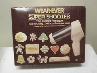 Vintage WEAR EVER Super Shooter 70123 Electric Cookie Press Candy Maker COMPLETE