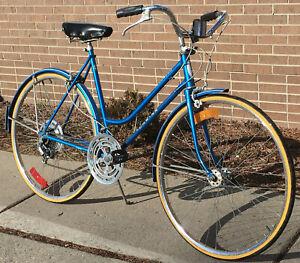 10 speed USA Schwinn Suburban 672 22in Blue 56cm Tall Ladies Road bike rebld opt