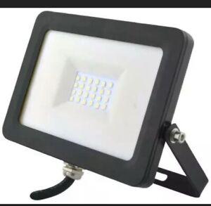 PRO ELEC 20 WATT FLOODLIGHT IP65 230V  OUTDOOR GARDEN WORKSHOP SECURITY