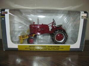 SpecCast 1:16 Scale International Harvester Farmall Cub w/ Snowblade and Chains
