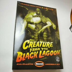 2012 MOBIUS MODELS CREATURE FROM THE BLACK LAGOON WITH FEMALE VICTOM OPEN BOX