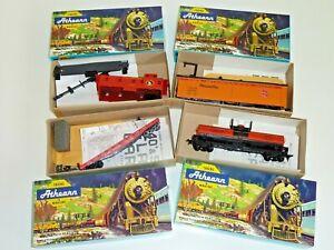 HO ATHEARN Lot of 4 SANTA FE flatcar caboose tank reefer 1550 5333 1379 1260