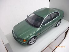 1:18 UT MODELS 328 i  BMW E-46 3 SERIES  SALOON  V=6   GREEN METALLIC NM BOX !!