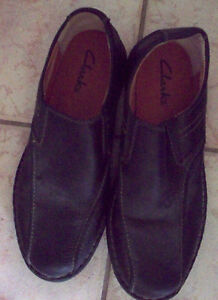 Clarks  Mens Sz 13M Black Leather Casual Comfort Slip On Mocs Rubber Shoes