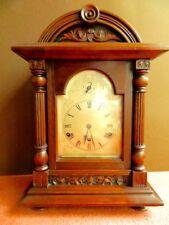 Antico Orologio Tedesco STAFFA ottime condizioni di lavoro Chimes legno di noce