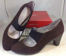 NEW JOHNSTON & MURPHY Strap Heels Size 7 1/2 Brown Faux Suede Shoes Black Pumps