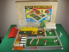 Britains Ltd #4714 Model Riding School, Pine Lodge Stable, 1:32 scale, horses, r