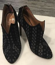 ALAIA ANKLE BOOTIE BLACK SUEDE AND GRAY SHOE SIZE 37