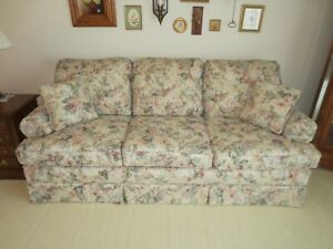 MINT Sofa - Traditional Rolled Arm 3 Seat Sofa with Spring Lip Construction.