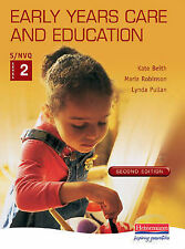 S/NVQ Early Years Care and Education: Level 2: Student Handbook
