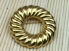 Fashion Pin Cast Goldtone Metal Ribbed Spiral Wreath Brooch