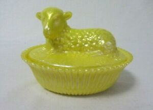 BOYD ART GLASS SUNGLOW LAMB ON NEST COVERED  CANDY DISH B IN DIAMOND