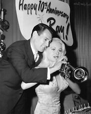 JOI LANSING w/ BANDLEADER RAY ANTHONY @ CAPITOL RECORDS PARTY 8X10 PHOTO (AZ541)