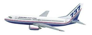 Herpa 511063 Boeing House Colors Demo Livery 737-700 1:500 Scale RETIRED 2001