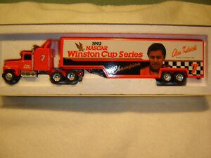 1992 Alan Kulwicki Ertl #7 Nascar Winston Cup Champion 1/64 Transporter Hauler