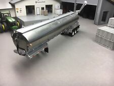 1/64 DCP WALINGA TRI-AXLE FEED TRAILER