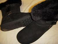 Lamo Cresson Suede Leather Buckle Detail Womens Ankle Boots w/Faux Fur Trim +