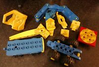 VINTAGE LEGO DUPLO TOOLO SPARES CRANE 2 VEHICLE BASES VERY RARE CONSTRUCTION