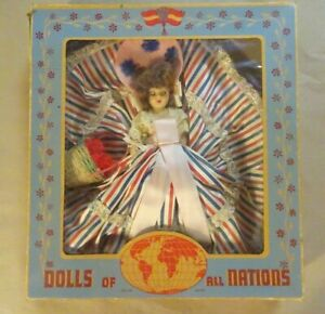 VINTAGE DOLLS OF ALL NATIONS (1940's) #722 FRENCH GIRL - In Box - Sleep Eyes