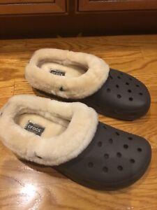 NEW Men's CROCS Triple Comfort CLOGS SLIP-ON Shoes Size 12 Sheepskin Lined