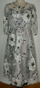 Women's NWT TENDENCY Size Large Grey Floral Fit & Flare Sheer 3/4 Sleeve Dress
