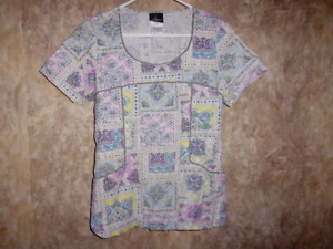 Baby Phat SCRUB TOP SIZE M (2 POCKETS) STYLE 26829C, COLOR SMPP