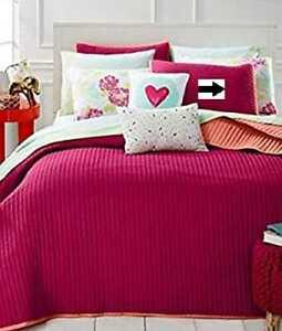 MARTHA STEWART – Whim Turnabout Lipstick Pom Pink Standard Quilted Pillowsham