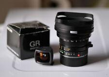 Leica Elmarit-M 21 mm f2.8 + Ricoh mirino 21 mm