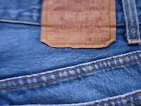 MENS PREOWNED LEVI JEANS  501  W31  L34  - BUTTON FLY - DENIM  BLUE