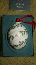 Lenox Holly Spiral Ornament 1992 Porcelain Holiday Egg w/Box Excellent Condition