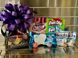 Kids Happy Birthday Gift Basket / Kids Balloon Theme With Cookies, Candy And Bow