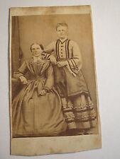 2 Frauen im Kleid - Portrait - ca. 1860/70er Jahre / CDV