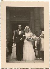 Mariage mariés couple homme femme parvis église - photo ancienne an. 1942