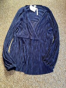 navy blue maternity top new with tags size 18 really pretty