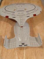 Star Trek 1992 Playmates Next Generation Starship Enterprise NCC-1701-D Works!