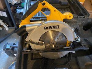 DEWALT 24V CORDLESS CIRCULAR SKILL SAW HEAVY DUTY DW007 case and charger