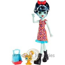 Monster High: Family Alivia Stein Fashion Doll And Pet Hybrid Bunny Mouse Fun